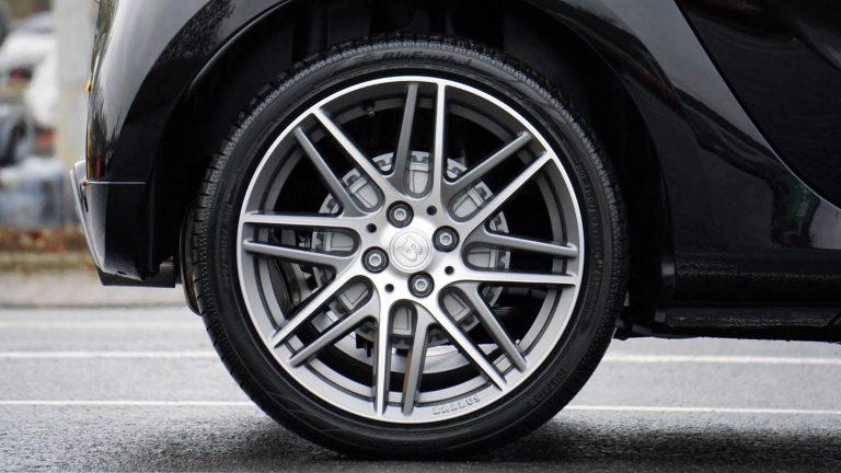 A scuola di pneumatici con Bridgestone: che differenza c'è tra uno pneumatico e l'altro?
